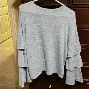 She and Sky Tops - Pullover Top. EUC